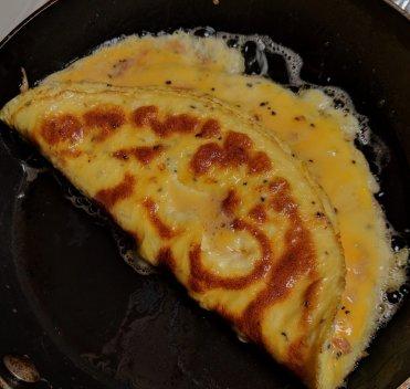 Frying-Omelette
