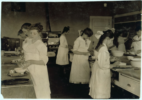 Black and white photo Home Economics Clasroom_1917